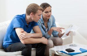 couple_budget_savings_shutterstock_242142619