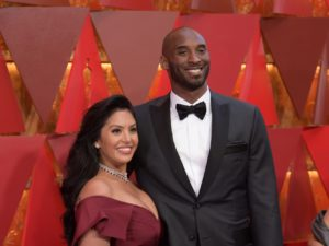 kobe-bryant-just-won-an-oscar-and-took-a-dig-at-fox-news-host-laura-ingraham-in-his-speech